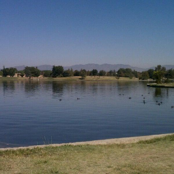 Lake balboa park park in lake balboa for Balboa lake fishing