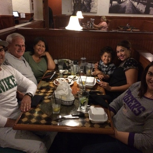 Photo taken at Carrabba's Italian Grill by Adriano R. on 9/15/2016