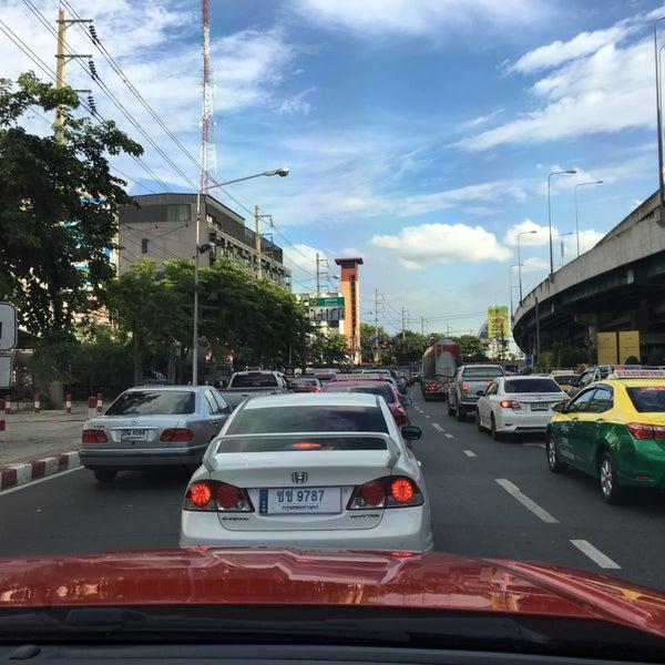 Photo taken at Sutthisan Intersection by Arnat😎 R. on 7/2/2017