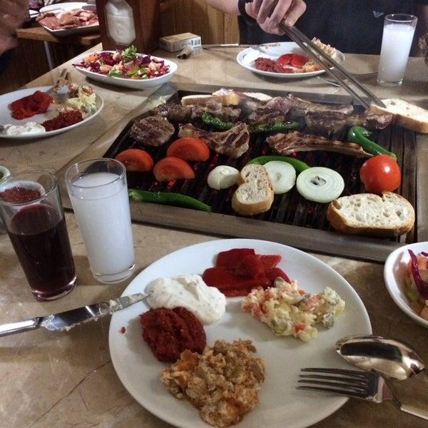 1/5/2014 tarihinde Esra T.ziyaretçi tarafından Gölköy Restaurant'de çekilen fotoğraf