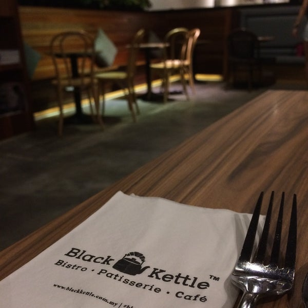 Photo taken at Black Kettle by WengWeng B. on 5/4/2017