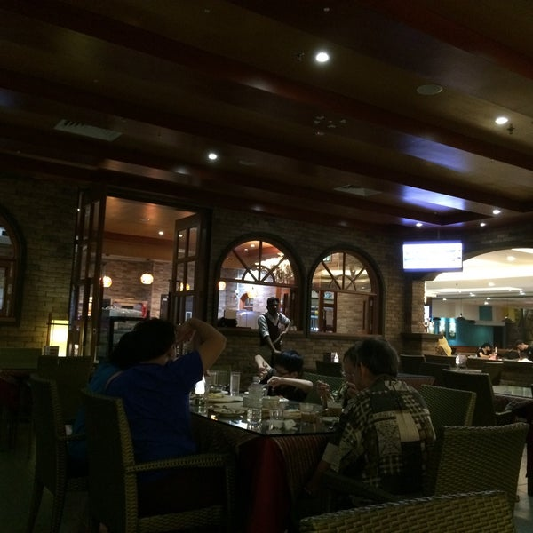 Photo taken at Pizzaiola by WengWeng B. on 8/30/2017