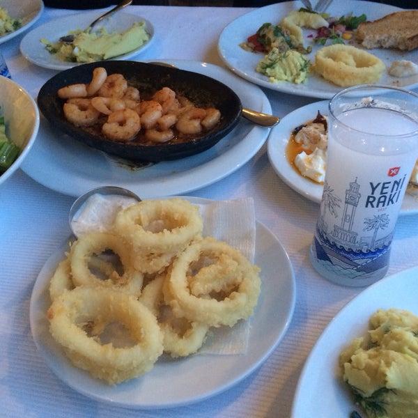 5/29/2015 tarihinde Ugurziyaretçi tarafından Yengeç Restaurant'de çekilen fotoğraf