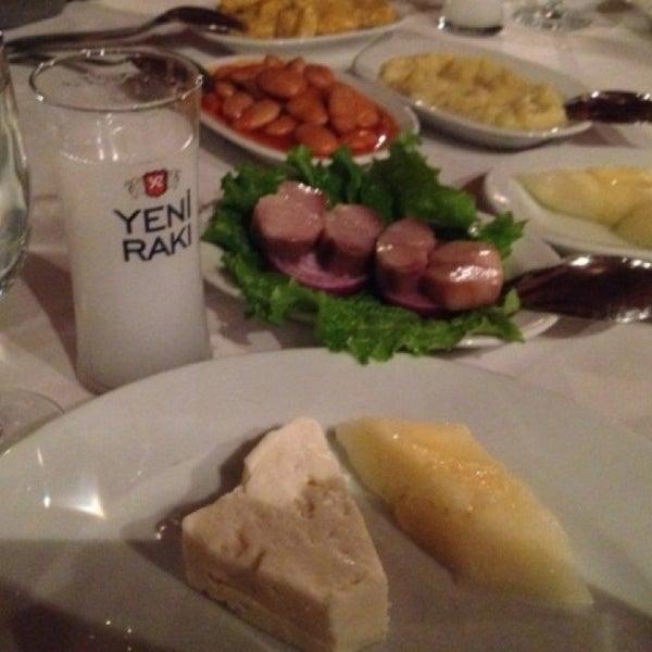 6/24/2013 tarihinde Ugurziyaretçi tarafından Yengeç Restaurant'de çekilen fotoğraf