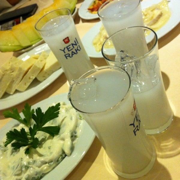11/23/2013 tarihinde Ugurziyaretçi tarafından Yengeç Restaurant'de çekilen fotoğraf