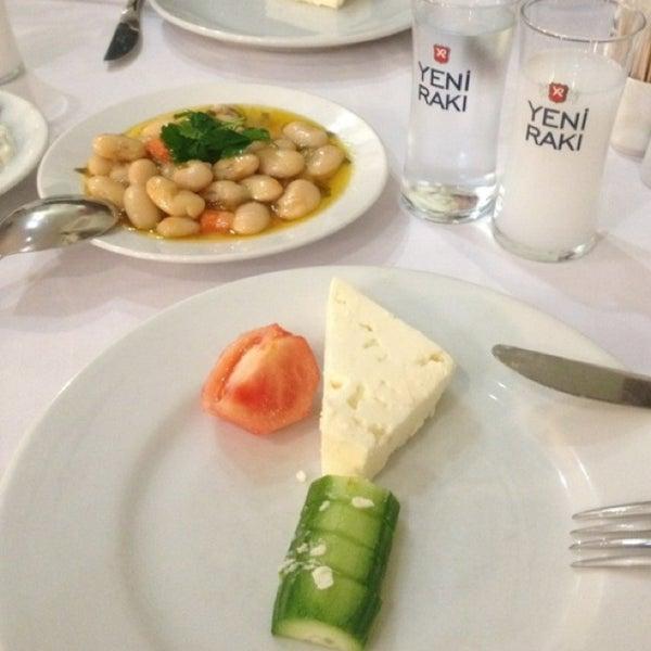 7/29/2013 tarihinde Ugurziyaretçi tarafından Yengeç Restaurant'de çekilen fotoğraf