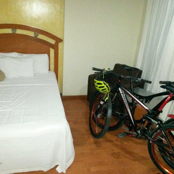 Photo taken at Áurea Hotel and Suites, Guadalajara (México) by Eduardo L. on 4/17/2015