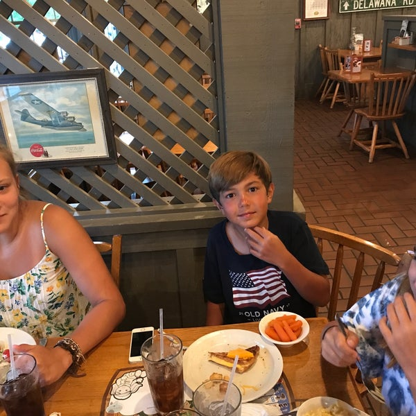 Photo taken at Cracker Barrel Old Country Store by Stacy C. on 8/6/2017