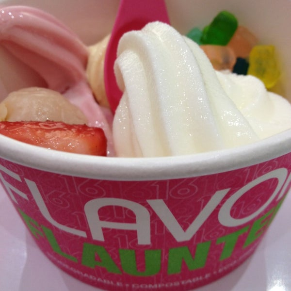 Photo taken at 16 Handles by Shiu Lei on 1/14/2013