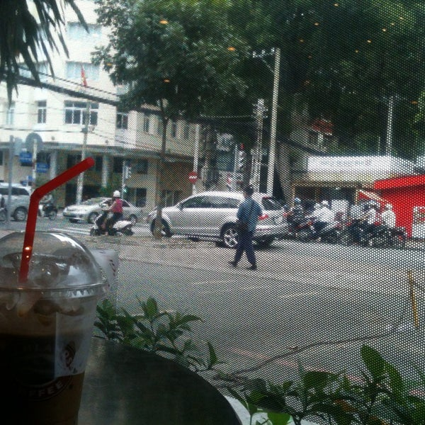 Photo taken at Highlands Coffee by Phuc N. on 9/15/2014