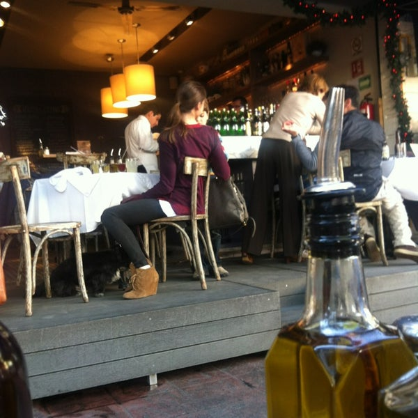 Foto tomada en Rocco & Simona Pizza al Forno por Juan Jose D. el 12/23/2012