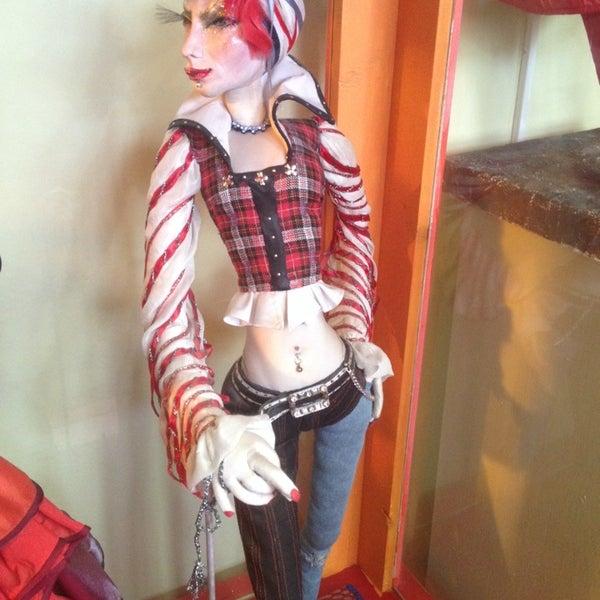 Снимок сделан в Музей кукол пользователем Pimonrat H. 5/17/2014
