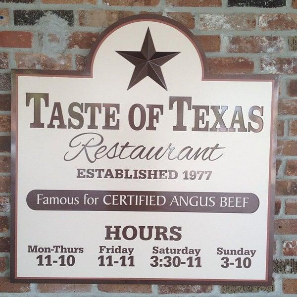 Foto tomada en Taste of Texas por Rick T. el 5/26/2013