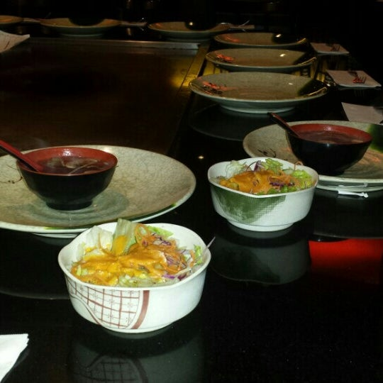 Photo taken at Samurai Japanese Steakhouse by Jayson Da B.B.C H. on 4/30/2016