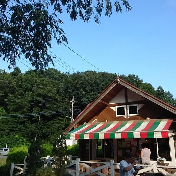 Das Foto wurde bei 町田あいす工房ラッテ von yoshiko N. am 8/6/2017 aufgenommen