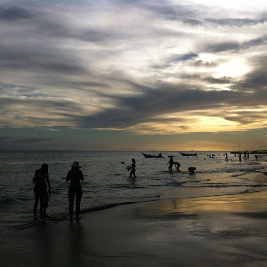Photo taken at Playa El Yaque by Lolo's Food Adventures on 12/15/2012