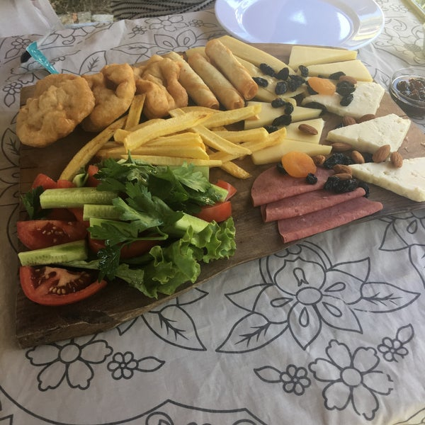 7/2/2017 tarihinde Enise Ş.ziyaretçi tarafından Yeji Dohoda Restaurant'de çekilen fotoğraf