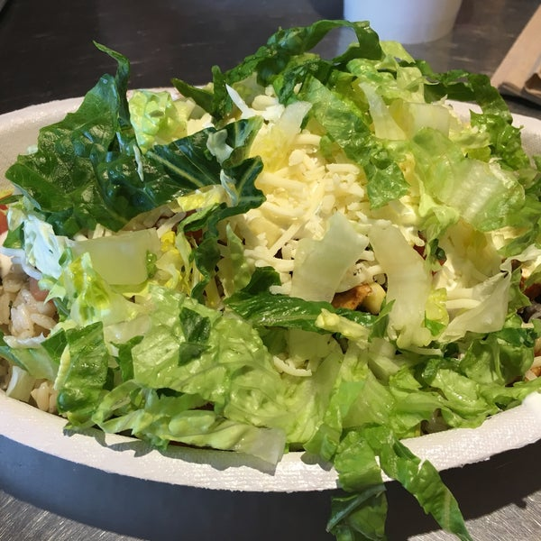 Photo taken at Chipotle Mexican Grill by Scott T. on 2/23/2017