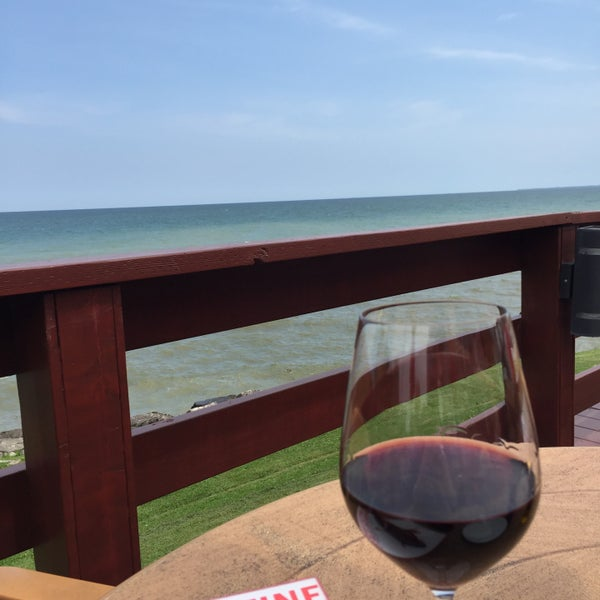Photo taken at Lake House Restaurant by José L. on 7/8/2015