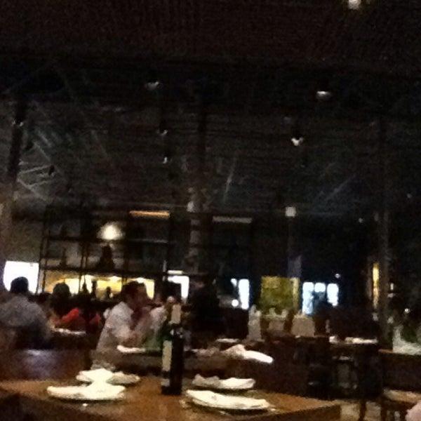 Снимок сделан в La Ocho Restaurante пользователем Gerardo R. 3/28/2014