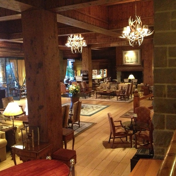 รูปภาพถ่ายที่ Llao Llao Hotel & Resort โดย Juan Pablo D. เมื่อ 4/26/2013