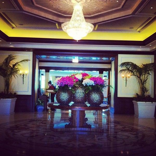 Photo taken at Four Seasons Hotel Westlake Village by Zacchary P. on 4/21/2013