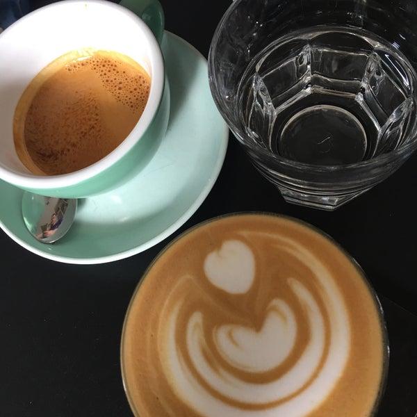 Снимок сделан в First Point Espresso Bar пользователем Boo 7/9/2017