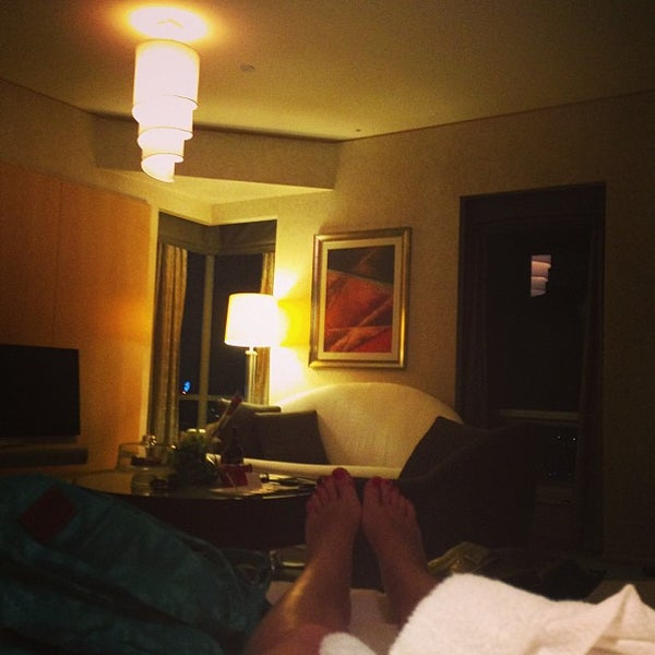 Photo taken at Shangri-La Hotel by -- on 3/12/2013