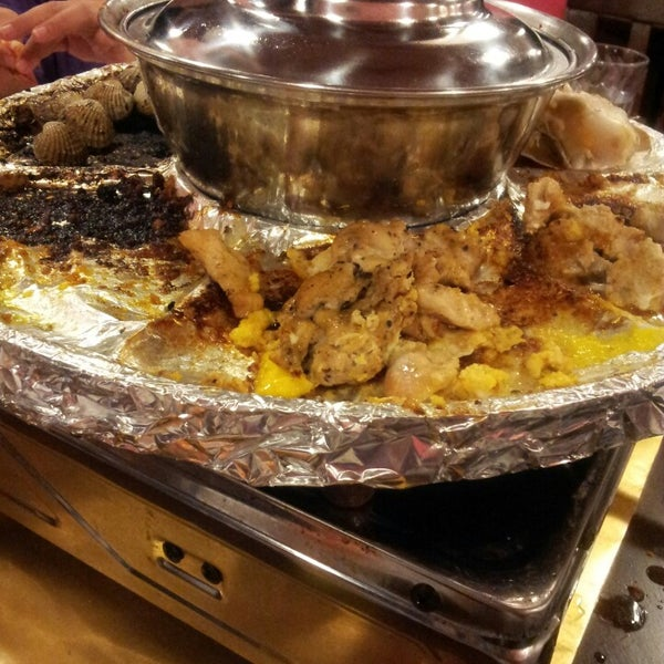 Photo taken at Mak Engku Steamboat & Grill by Syikin S. on 3/28/2013