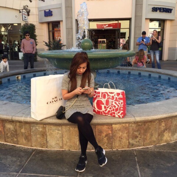Photo taken at Carlsbad Premium Outlets by Nadyah P. on 11/25/2015
