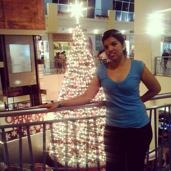 Foto tirada no(a) Mall del Sur por Gabys G. em 11/25/2013