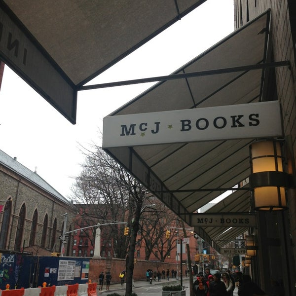 Photo taken at McNally Jackson Books by Mark G. on 3/25/2013
