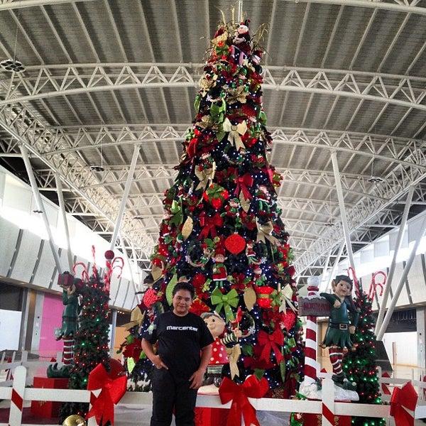 Foto tomada en C.C. Parque Los Aviadores por Hector P. el 12/27/2012