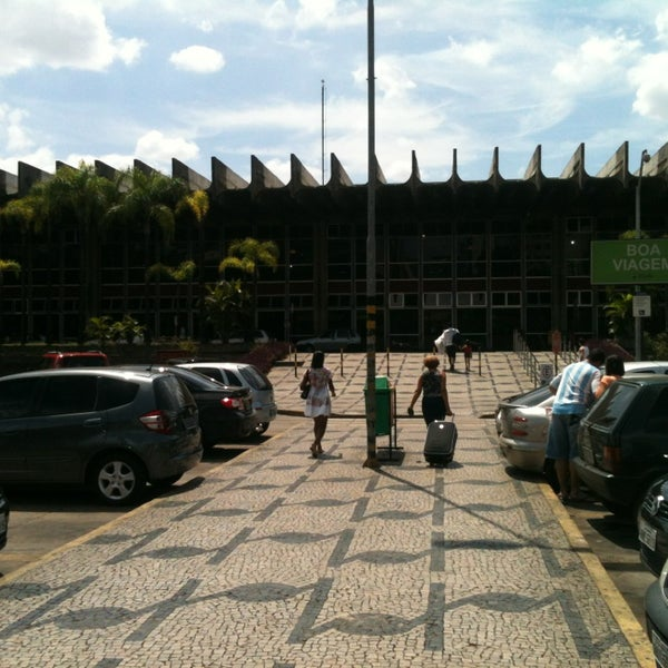 Photo taken at Terminal Rodoviário Governador Israel Pinheiro by Douglas F. on 3/10/2013