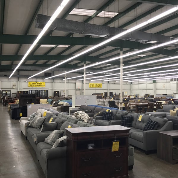 photo taken at home comfort furniture clearance outlet by christian a on 325