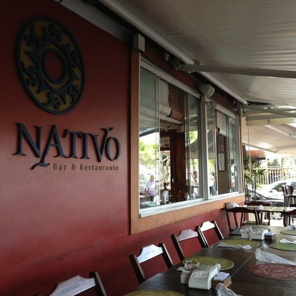 Foto scattata a Nativo Bar e Restaurante da Alexandra G. il 5/19/2013