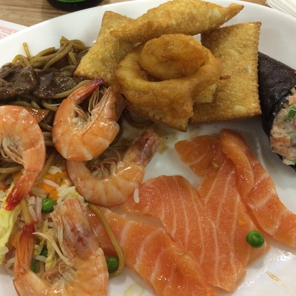 Foto tirada no(a) Hachi Japonese Food por Vinicius B. em 12/29/2014