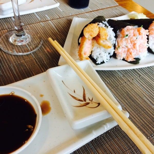 Foto tirada no(a) Hachi Japonese Food por Vinicius B. em 1/3/2015