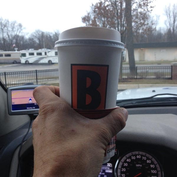 Photo taken at BIGGBY COFFEE by Stephe L. on 11/26/2013