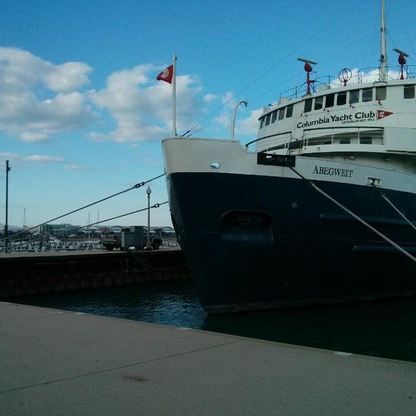 Yacht Club Beer: Harbor / Marina In Chicago