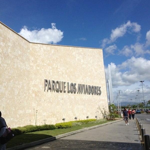 Foto tomada en C.C. Parque Los Aviadores por Ariadne R. el 6/8/2013