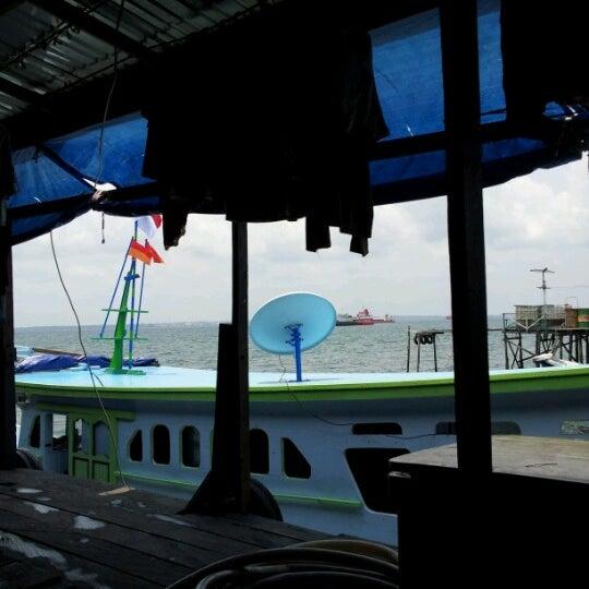 Photo taken at Pelabuhan speedboat kampung baru by Rio R. on 10/12/2012