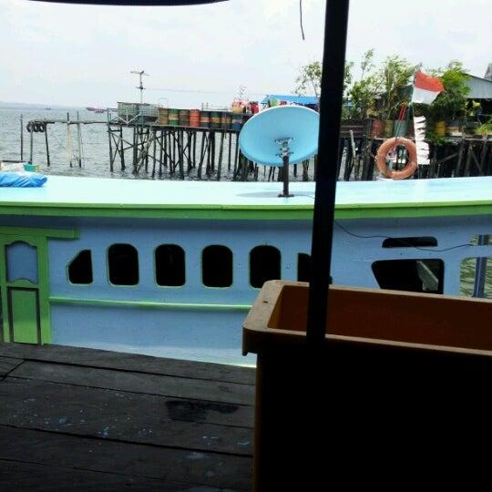 Photo taken at Pelabuhan speedboat kampung baru by Rio R. on 9/27/2012