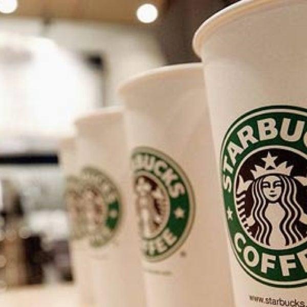 Photo taken at Starbucks by Ariesta K. on 5/18/2013