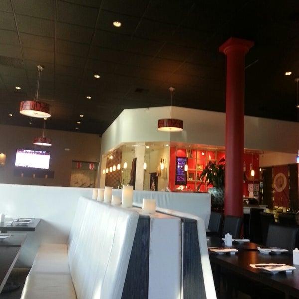 Photo prise au Sushi Delight par Sharyn A. le5/30/2013