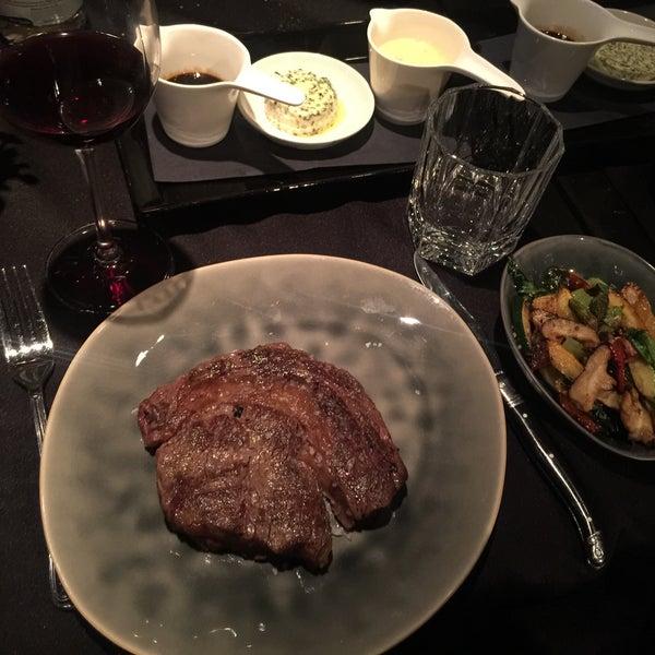 Das Foto wurde bei HEART Restaurant & Bar von Burak am 7/26/2016 aufgenommen
