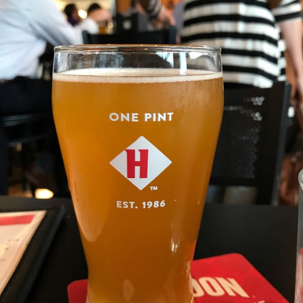 Photo taken at Harpoon Tap Room by Kevin T. on 8/10/2017