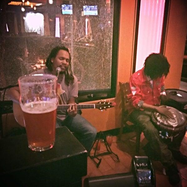 Снимок сделан в The V - Virginia's Eatery and Brew House пользователем rachel k. 4/9/2015