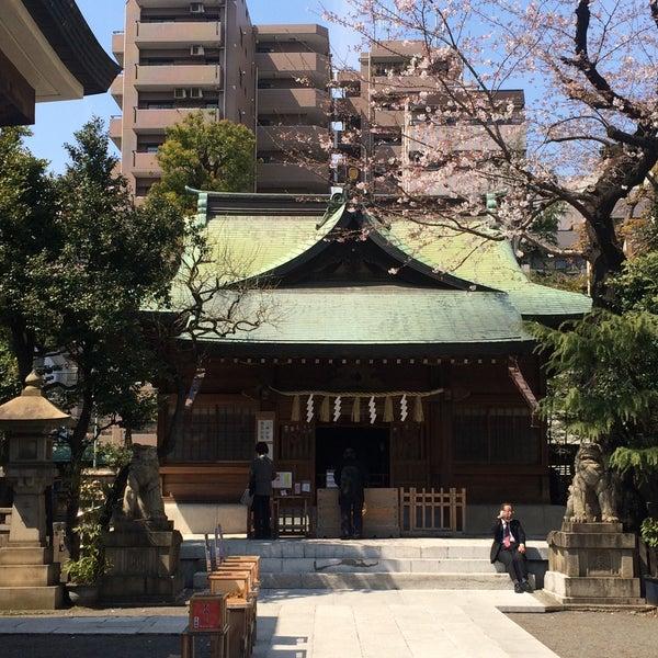 Photo taken at 大塚天祖神社 by satoshi on 4/5/2017
