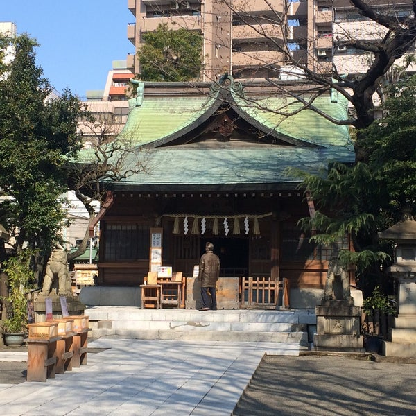 Photo taken at 大塚天祖神社 by satoshi on 3/28/2017